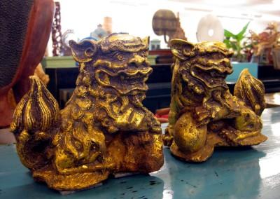 Kleines Paar Wächterlöwen