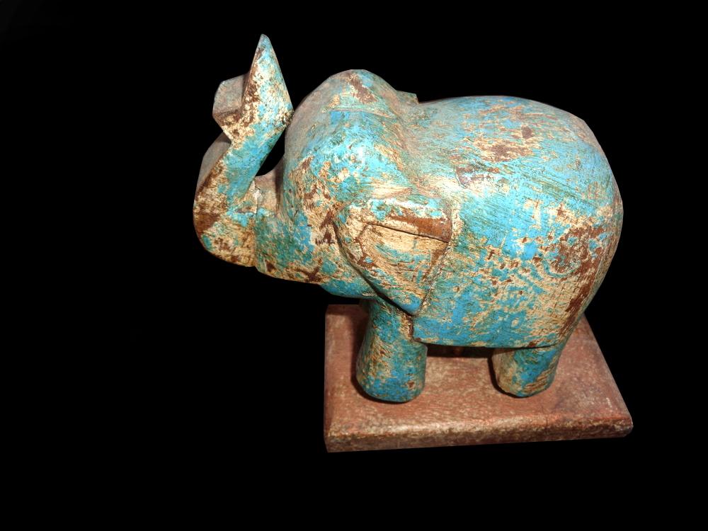 Kleiner Elefant auf Ständer