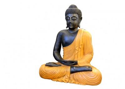 Buddha mit orangem Umhang