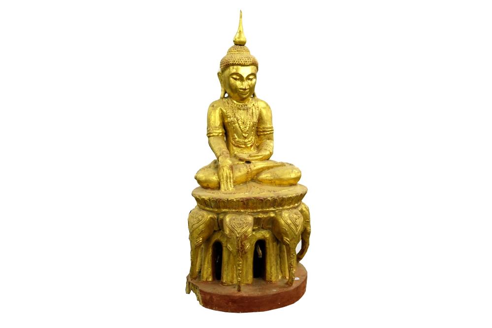 Antiker Buddha auf Elefantenthron