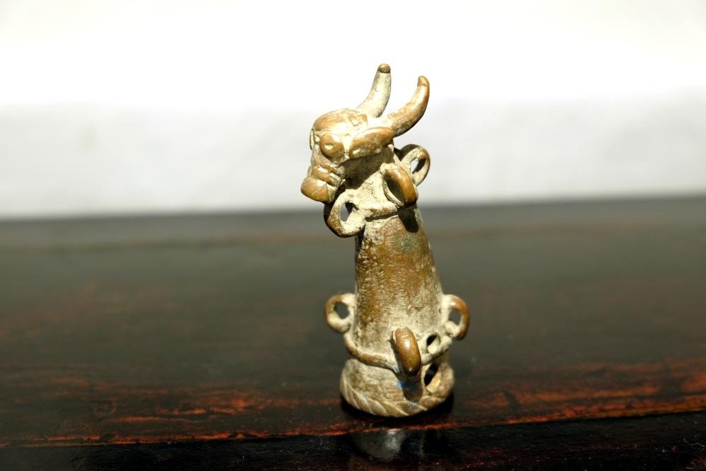 Fingerhut-Amulett aus Nepal