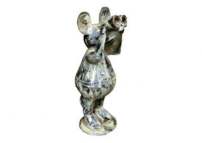 Neugierige Maus mit Fernglas
