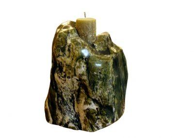 Kerzenständer aus grünem Stein