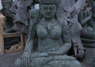 Schutzgöttin Devi, frostsicherer Lavastein