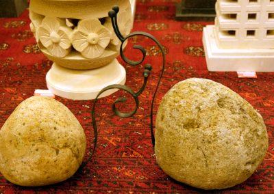 Steinfiguren Schwan und Schnecke