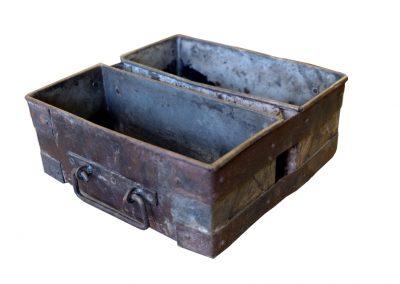 Iron Box, Indien