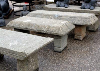 Bänke aus Lavastein