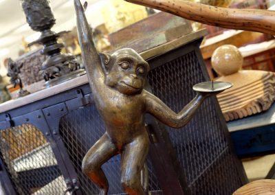 Affe als Lichtbringer