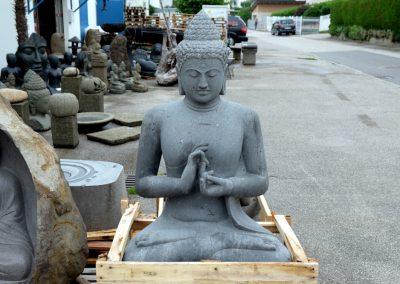 Sehr grosser Buddha Riverstone