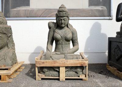 Grosse Devi Sri